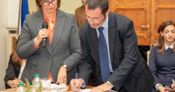 #bastaviolenzasulledonne. Anche l'Ordine degli avvocati sigla il protocollo inter istituzionale.