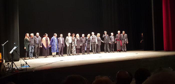 """Grande successo ieri al Vittorio Emanuele per """"l'Eredita"""" lo spettacolo messo in scena da Salvis Iuribus, la compagnia dell'Ordine degli avvocati di Messina.  L'incasso sarà devoluto in beneficenza."""